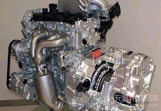 """5l的直列4缸""""qr25""""发动机增压,与马达合计的整个系统的扭矩与排量4."""